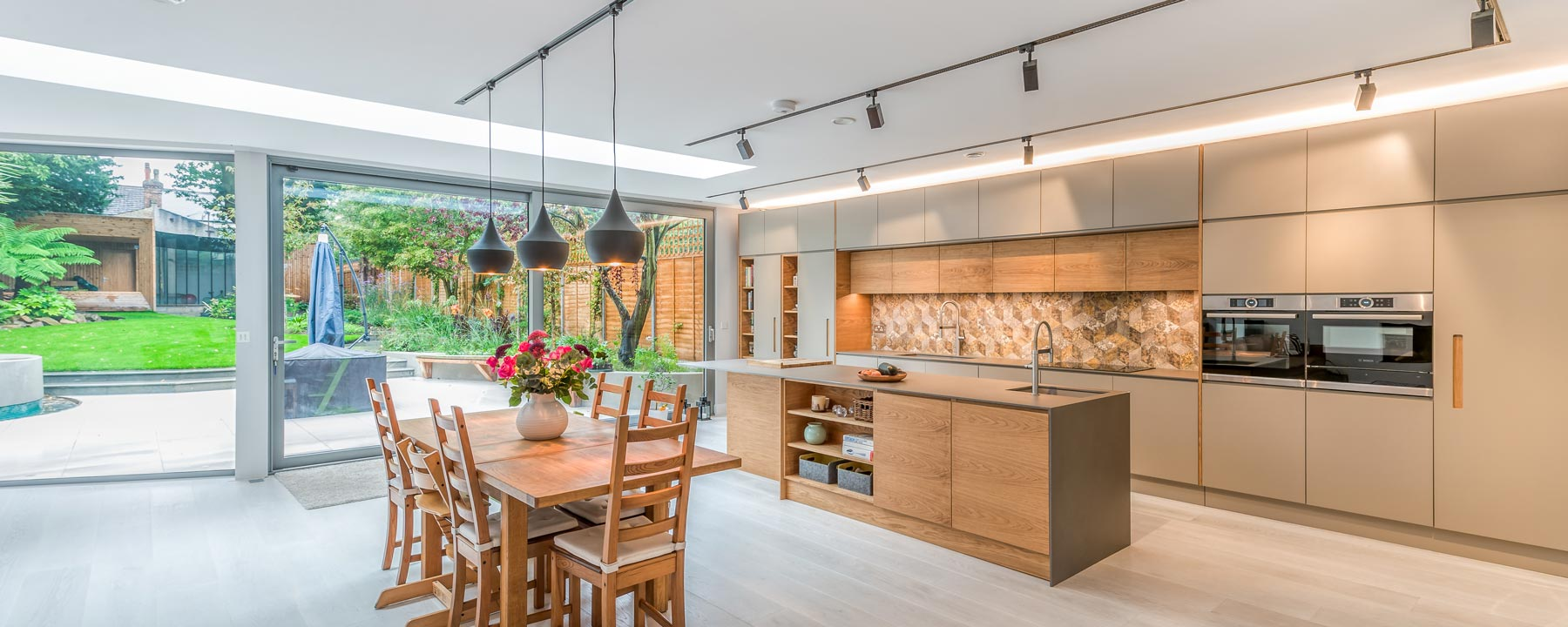 open plan kitchen and house extension in London by Extend a Space